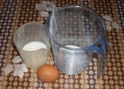готовим сладкую заливку для клубничного пирога
