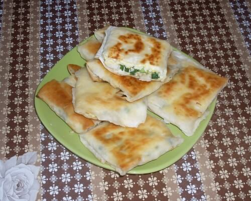 конвертики из лаваша с сыром, яйцами и зеленью