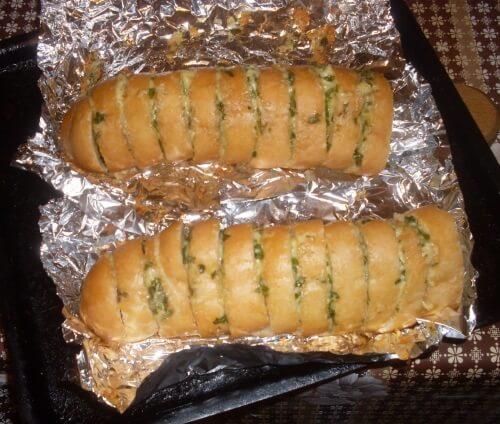батон с сыром и чесноком в духовке